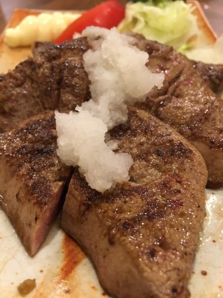 丸金のレバーステーキ